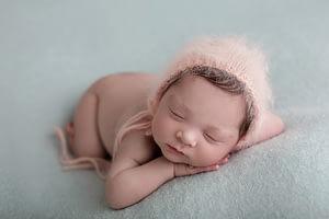 Newborn foceni novorozencu, miminek Praha, novorozenci