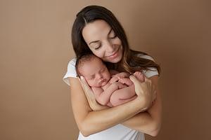 Foceni miminek s maminkou v newborn atelieru Praha